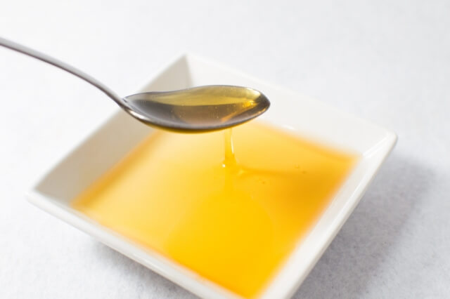 油とスプーン